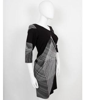 kaseee Kleid schlicht asymmetrisch